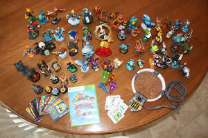 XBOX Skylanders Trap Team & 64 Characters & Carry Cases