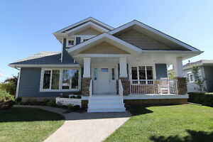 Stunning One & A Half Storey Home in Lynnwood!