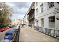 2 bedroom flat in Richmond Terrace, Clifton, Bristol, BS8 1AA