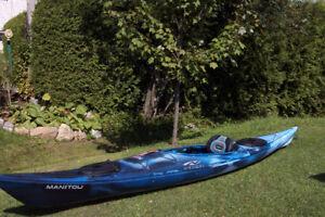 kayak de mer (a vu une baleine bleue de près)
