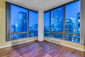 $3100 /month 2 bed 2 bath 1 den Hi Floor 828 SqFt Condo rental