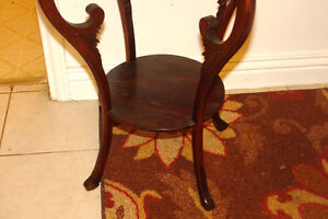 Very good condition occasional table Kingston Kingston Area image 4