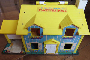 Fisher Price vintage play famely house 1969
