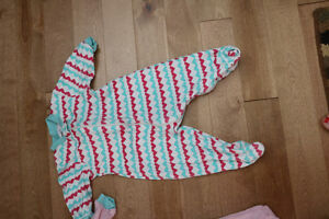6 pairs of girl pajamas- 3-9 months