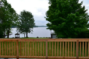 Beautiful Lakefront Cottage Available at Buckhorn Lake