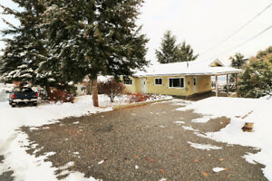 Executive 4bdrm home with new reno upstairs, allot of parking