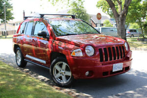 2010 Jeep Compass North Edition. Htd Seats, Roof Racks, Low Kms,