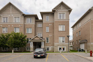 MOVE IN READY LOWER LEVEL END UNIT -IDEALLY LOCATED CENTREPOINTE