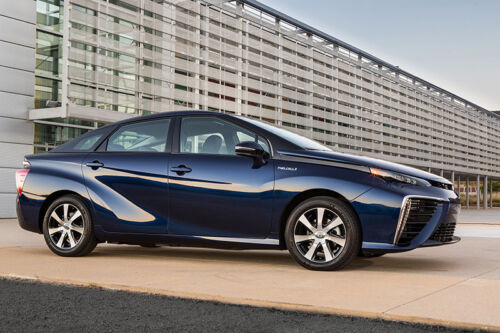 Toyota's Hydrogen Car Headed to Eight California Dealerships