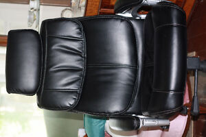 desk chair black white stitching great condition