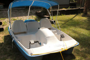 Water Wheeler Electric Paddle Boat with Canopy
