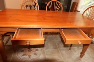 Harvest dining room table with 6 chairs Gatineau Ottawa / Gatineau Area image 4