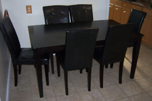 Black Dining room Table with 6 parson chairs