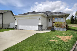 Bungalow by the lake! 4 bed/ 3 bath/ backs greenspace $340,000