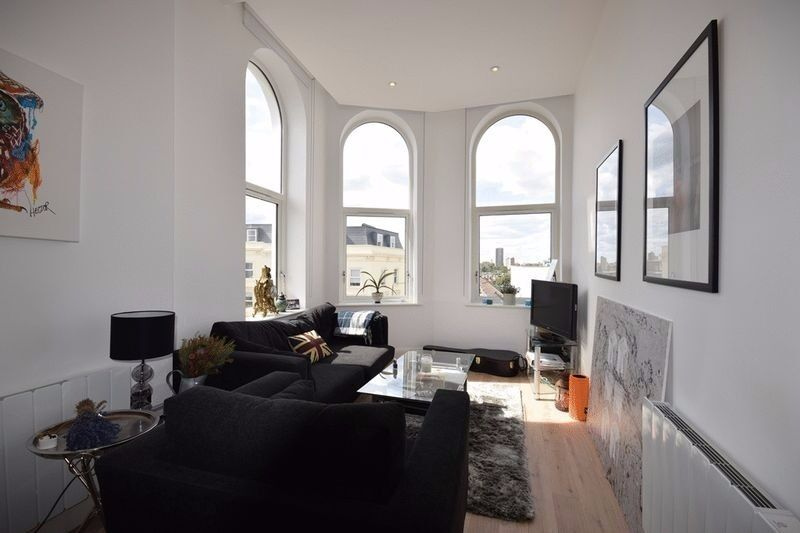 Luxury newly refurbished, fully furnished, ground floor 1 bed apartment in the heart of Battersea