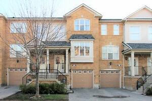 3 Bedrooms / 4 Washrooms Condo Townhouse for SALE in Mississauga