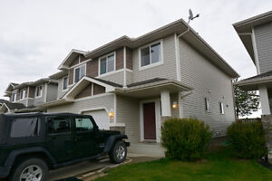 4 Bed/3.5 Bath Two story duplex in Erin Ridge, St.Albert