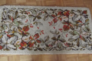 Rugs hand crafted latch hooked shillcraft