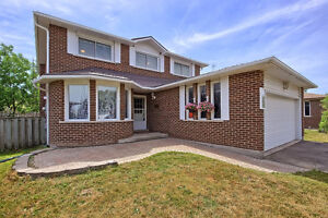 Beautiful Central Newmarket 4 beds, 50x126 big lot house