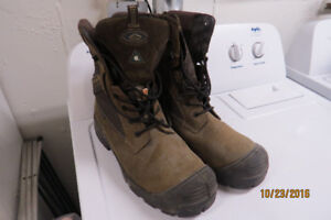 MEN'S SAFETY BOOTS NEVER WORN