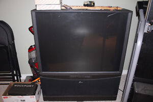 """Zenith 50"""" Projection TV"""