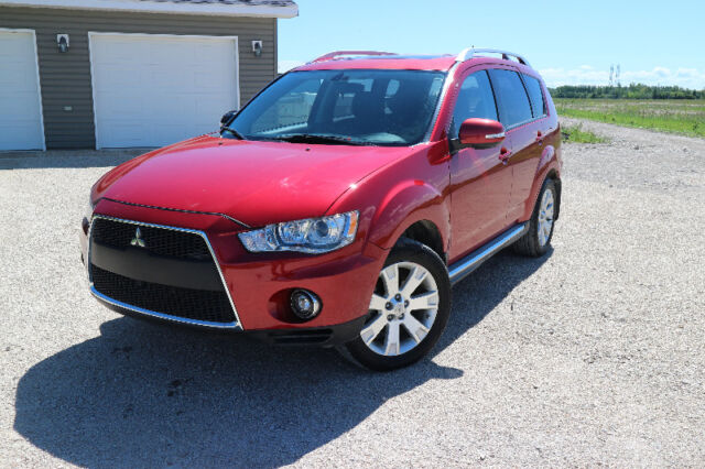 2010 Mitsubishi Outlander SUV, 4X4 with only 99000 km