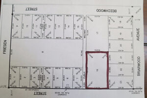 Large lot zoned for Multi-family housing in quiet neighbourhood