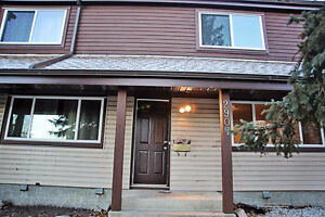 Newly renovated townhouse in North-side of  Edmonton