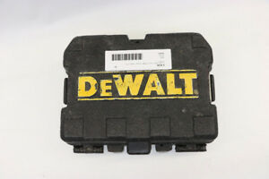 DeWalt Laser Level Plumb Bob W/ Case DW082 (#18103)