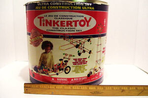 Large Lot of Vintage Tinker Toys Wood and Plastic