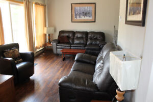 Sauble Beach 4 season cottage for rent by the week or weekends