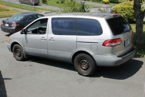 2002 Low Mileage Toyota Sienna OnLY 145000kms ASKING $2950
