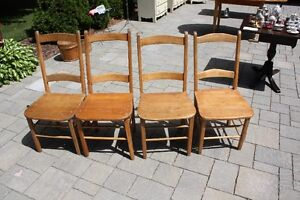 Canadian Art Set of 4 Chairs