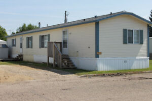 Mobile Home for Sale in Tofield - Great Value!