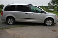 2010 Dodge Grand Caravan SE Minivan, with stow and go seat