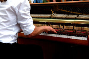 Piano or voice lessons - why pay studio rates Kitchener / Waterloo Kitchener Area image 1