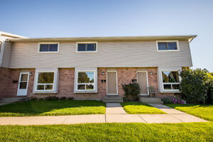3 bedroom townhouse newly renovated
