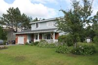 2-Storey with Private Yard walking Distance to Centre of Town