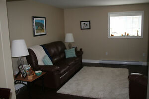 Beautiful, spacious 2 Bedroom apt. - 10min from Avalon Mall
