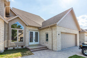 *HOT LISTING* CRYSTAL HARBOUR DRIVE, LASALLE - ON THE WATER Windsor Region Ontario image 1