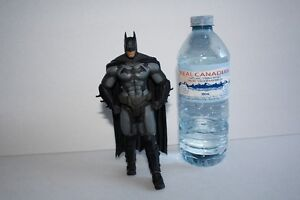 Batman Arkham Origin Collectible ( lightly used) London Ontario image 1