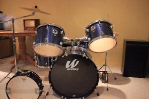 Excellent Student Drum Kit
