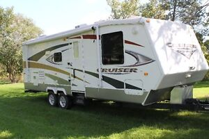 FOR SALE – 2008 - 28 ft. Cruiser by Crossroads