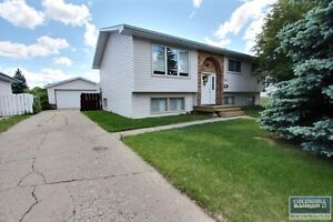 Great 6 Bdrm Carlton Park Home!