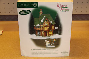 DEPT 56 DICKENS VILLAGE SERIES, T. SMITH CHRISTMAS CRACKERS