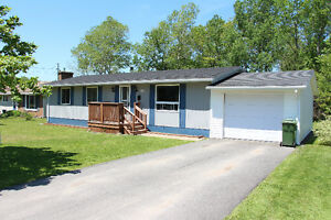 NEW PRICE! Great Bungalow in Amazing Location in Stellarton!
