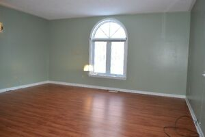 Well cared for 2 bed unit for rent in a duplex Kitchener / Waterloo Kitchener Area image 6