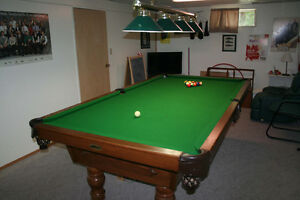 National Pool Table 4.5' x 9'
