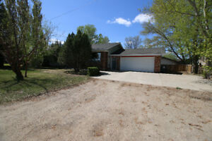 Large family home, Double lot, fenced-Spiritwood