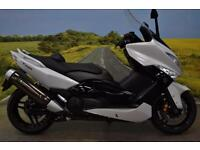 Yamaha T-Max 2014**DIGITAL DISPLAY, INTEGRATED INDICATORS, HAND BRAKE**